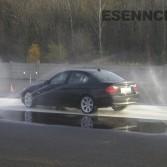 Nácvik chování vozidla na kluzkém povrchu