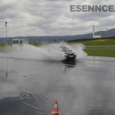 Nácvik chování vozidla při aquaplainingu v kurzu bezpečné jízdy Most