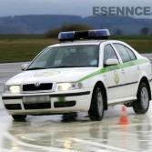 Policie ČR při absolvování kurzu bezpečné jízdy ve městě Příbram